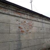 Wzmacnianie budynku za pomocą stalowych elementów stężających, wzmacnianie murów