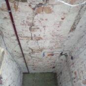 Uszkodzony strop kleina, naprawa stropu