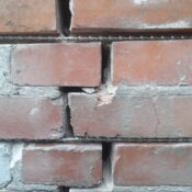 zszywanie murów, naprawa murów